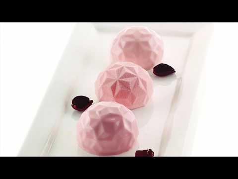 stracciatella-semifreddo-with-silikomart-3d-mould-mini-gemma