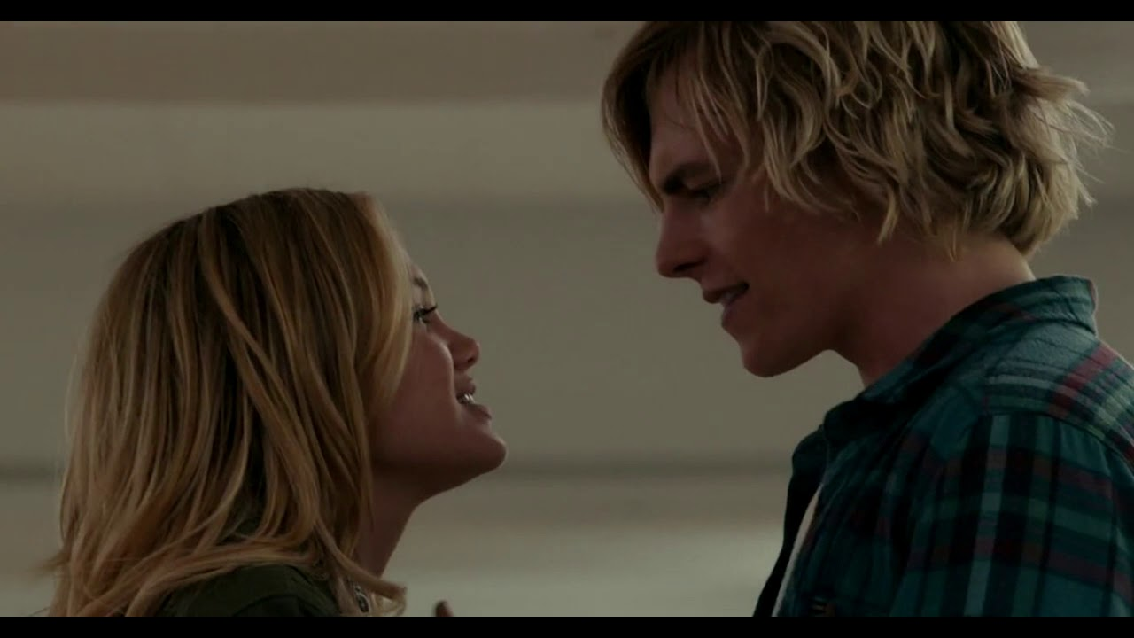 Download Ross Lynch & Olivia Holt - Drowning (Status Update) - 1 Hour!!!