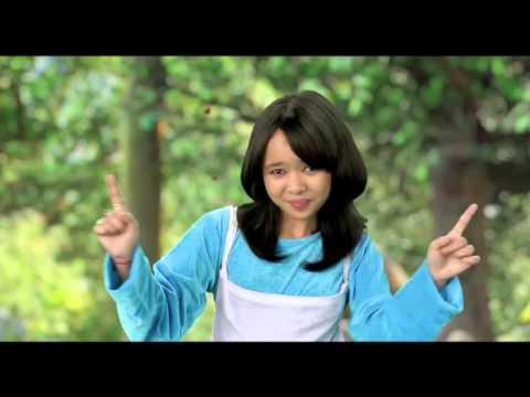 Indian Idol Juniors promoting Smurfs 2