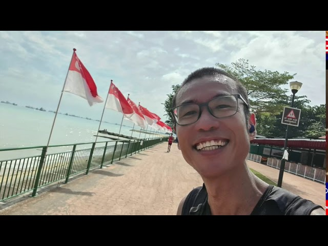 Exploring Singapore by Foot