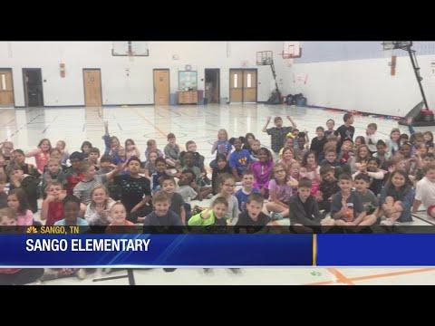 Lisa Spencer visits Sango Elementary School