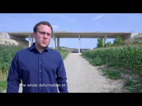Smooth and durable transition structure for long bridges