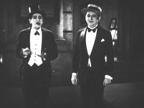 Howard Brothers - Great Double Act (The In Between Acts At The Opera - 1926)
