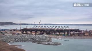 Ледоход не повлиял на работу строителей моста