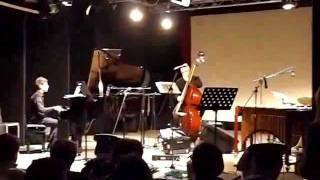 GIOVANNI ARIOSTO pianoforte DESAFINADO di Jobim accompagnato da Trio Randisi.flv