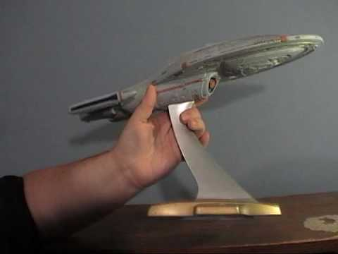 Star Trek Playmates USS Voyager Review