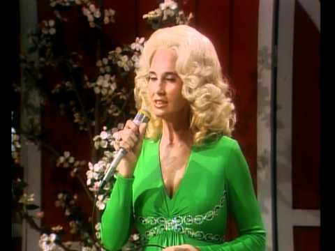Tammy Wynette - Stand By Your Man (1975).