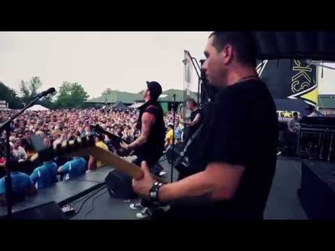 "3 Years Hollow - ""For Life"" LIVE from the Rockstar Uproar Festival"