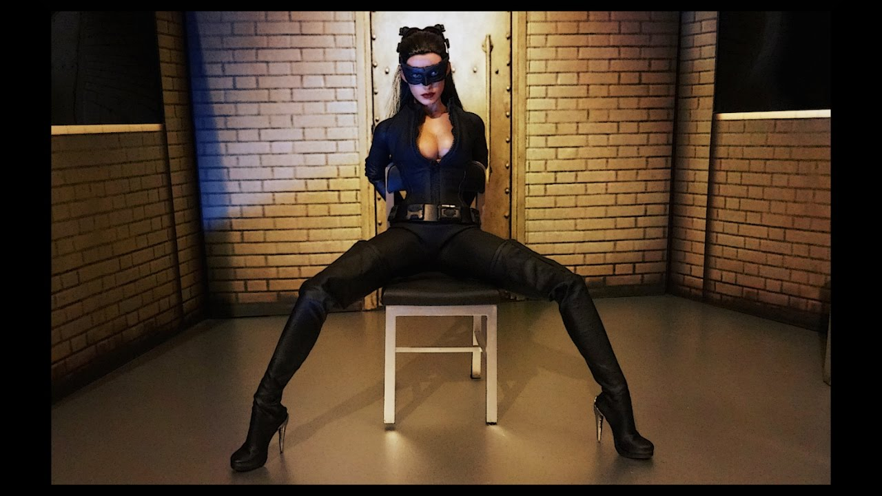 Catwoman Selina Kyle By Hot Toys The Dark Knight Rises