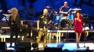 "The B52s -LIVE- ""Love Shack"" @Berlin Aug 21, 2013"
