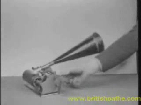 Phonograph vs. Gramophone - The Invention of Sound Recording Part 1 I THE INDUSTRIAL REVOLUTIONde YouTube · Haute définition · Durée :  7 minutes 58 secondes · 27.000+ vues · Ajouté le 27.02.2015 · Ajouté par IT'S HISTORY