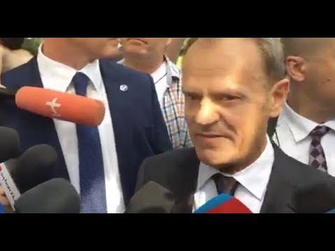 """Donald Tusk w drodze do prokuratury mówi o """"paroksyzmie gniewu"""" Jarosława Kaczyńskiego"""