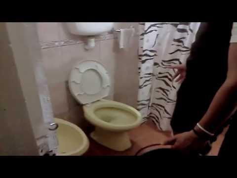 el-gran-sorete-atascador-de-inodoros-|-mierda-gigante-en-el-water-ft-lucho-&-matias