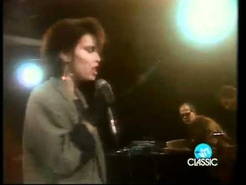 "PAT BENATAR - ""Love Is a Battlefield"" on Musikladen (1984)"