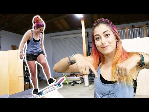 PRO SNOWBOARDER LEARNS HOW TO SKATE A MINI RAMP!