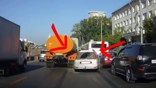 Incredible Accidents and Scary crash! Truck extreme crashes! World amazing Fails!