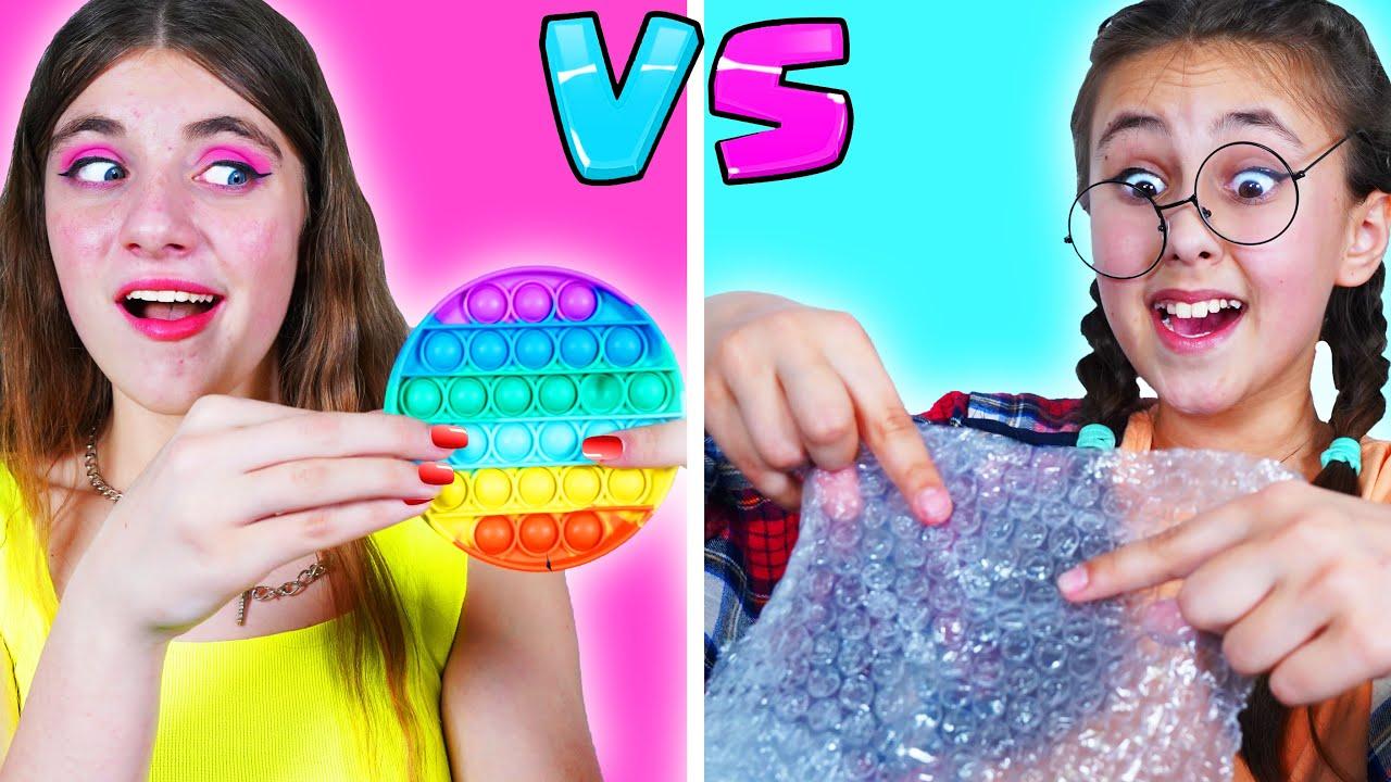 Chica Nerd VS Chica Popular || Amigos y Situaciones Graciosas