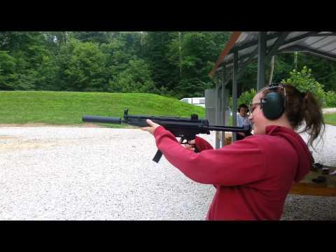 First Time Shooter Shooting an H&K MP5A5 .22 lr