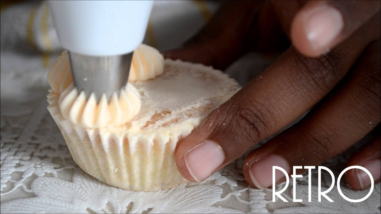 Icing Cupcakes: French Tip