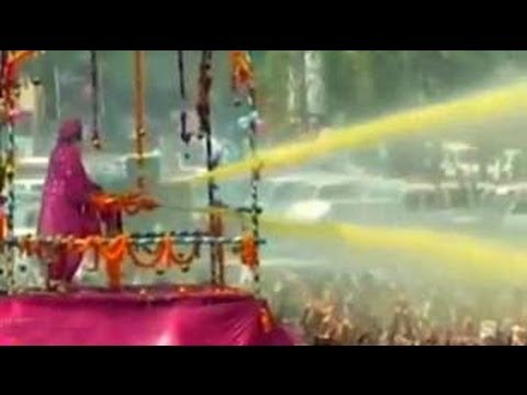 Media personnel attacked at Asaram Bapu's function Travel Video