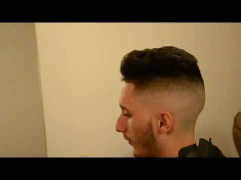Coupe de cheveux homme avec rasoir