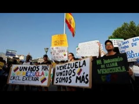 Venezuela crisis: US weighs sanctions against oil industry