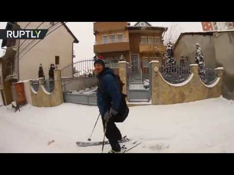 Street skiing: Pristina residents catch snow wave