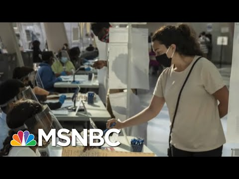 Undecided Ohio Voters Looking For 'Character' In First Presidential Debate | Stephanie Ruhle | MSNBC