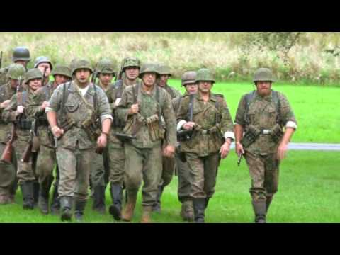 Gathering of over 1000 WW2 Reenactors