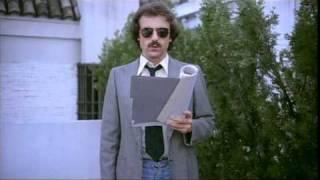Repeat youtube video Vivir en Sevilla (Gonzalo García Pelayo, 1978) - Una peculiar declaración de amor