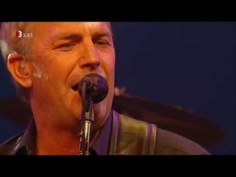 "Kevin Costner & Modern West -""Long Hot Night""- live"