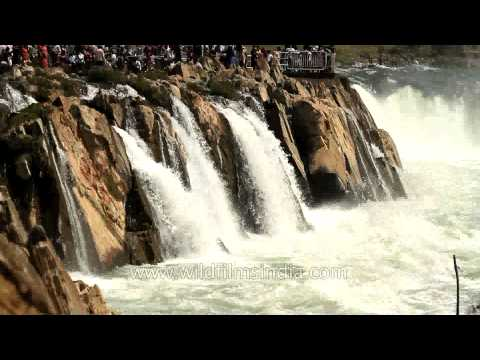 Marble rock waterfall at Bhedaghat,Jabalpur