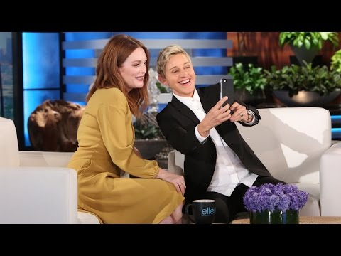 Julianne Moore and Ellen are Snapchat Happy!