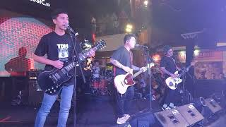 Download Lagu Pee Wee Gaskins - Dan Live in Makassar MP3