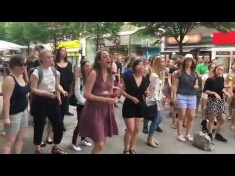Unität Flashmob Shackles