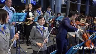2017年12月24日に行われた羽田空港 X`masイベント、ANA オーケストラに...