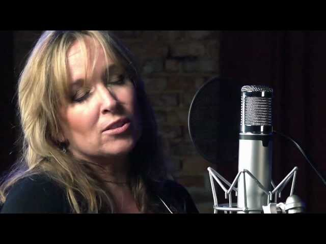 "Gretchen Peters ""On A Bus To St. Cloud"""