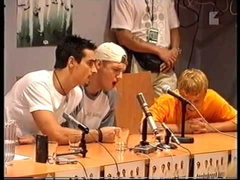 BSB doing a capella in a press conference in Helsinki 1999