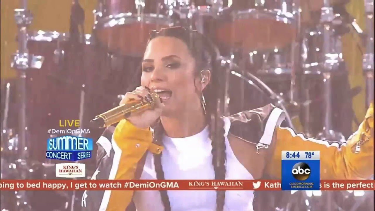 photo Demi lovato concert on good morning america in central park ny