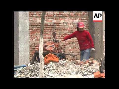 Earthquake tourism helps survivors