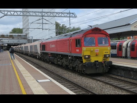 GREAT VARIETY INCLUDING 16 LOCO's AT EALING BROADWAY  11 05 2018