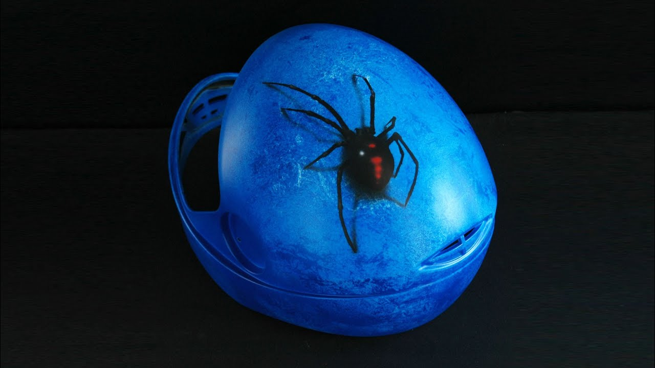 Download Black Widow 3D & Ice Frozen effect on skydiving helmet - aerograf airbrush