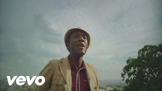 Watch Aloe Blacc Green Lights video