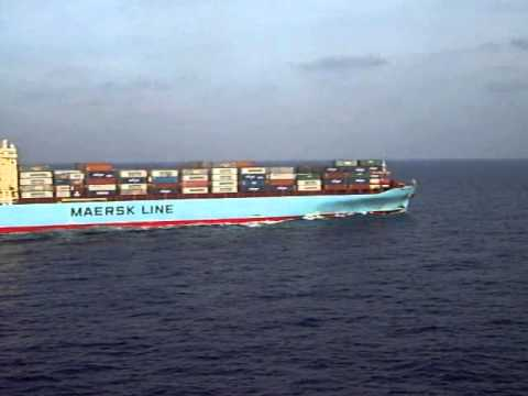 Cosco Yantian & Maersk Kolkata meeting off South Cretan shores