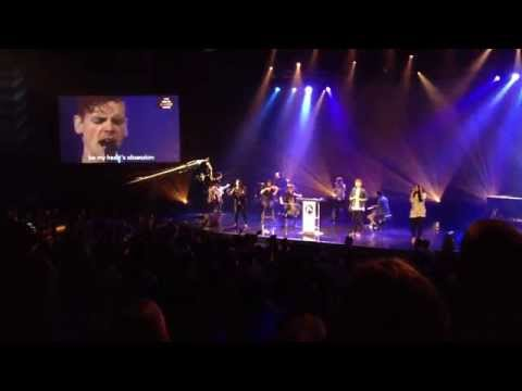Elevation Worship: Jesus I need you more. Performed by Chris Brown