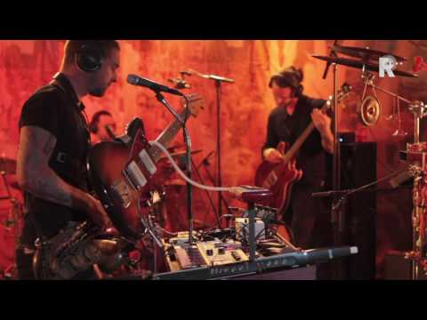 The New Earth Group - Desire Zombie Apocalypse - Live uit LLoyd