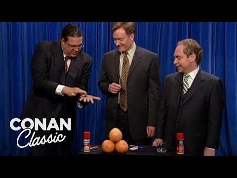 """Penn & Teller Teach Conan Sleight Of Hand - """"Late Night With Conan O'Brien"""""""