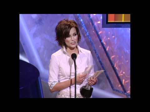 Martina McBride Wins Top Female Vocalist - ACM Awards 2004