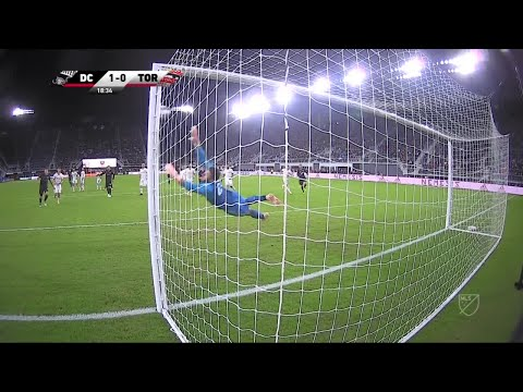 Wayne Rooney Long-Distance Free Kick Goal