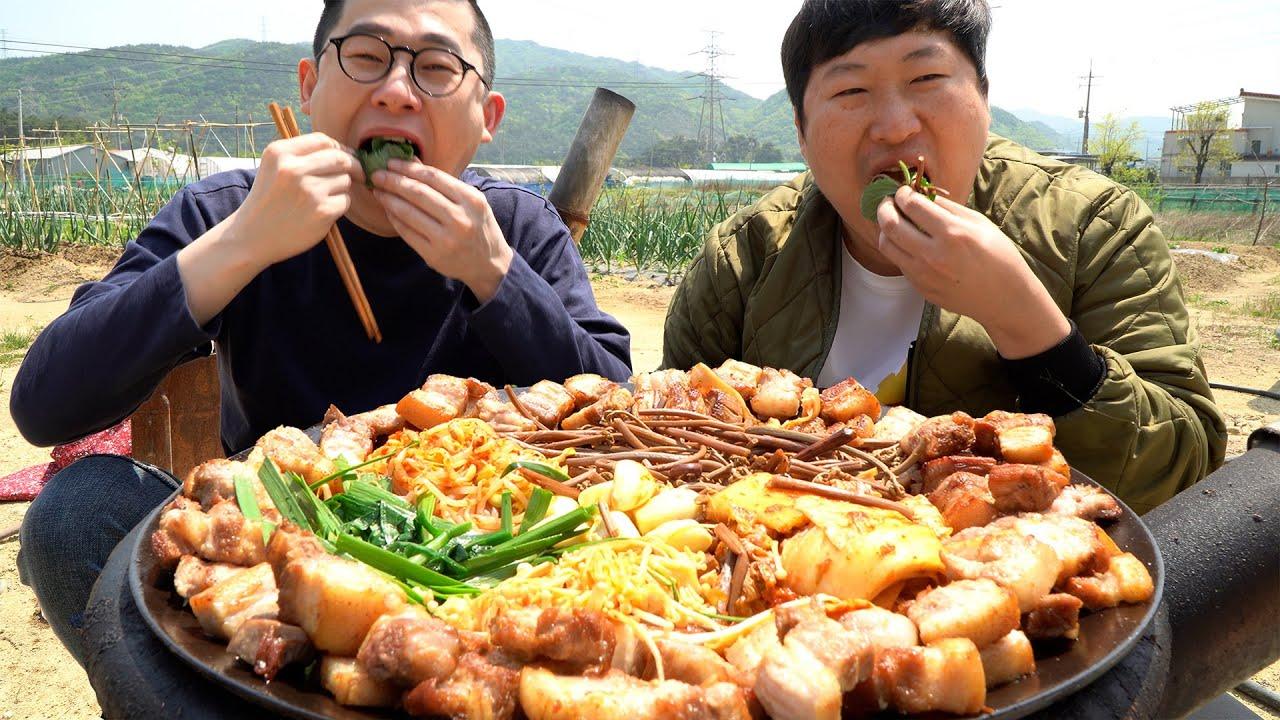 Download 친한 가르마 형님과 [[솥뚜껑 삼겹 한판]]에 볶음밥까지~ (Samgyeopsal & vegetables with Garma) 요리&먹방!! - Mukbang eating show
